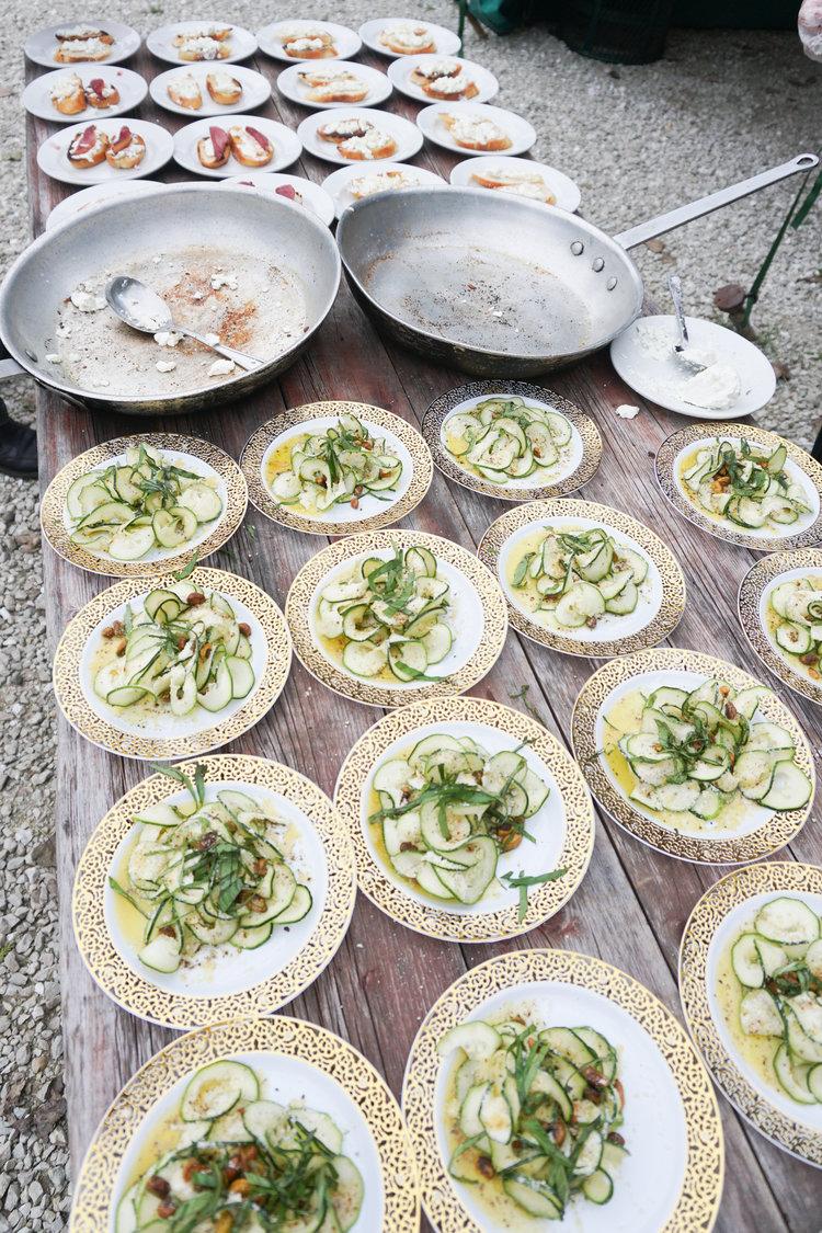 glamping_bachelerette_tablescape_chef_tyler_ray_.jpg