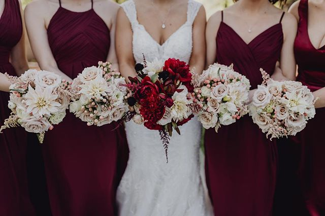 The girls bouquets 💕💕💕 ⠀⠀⠀⠀⠀⠀⠀⠀⠀ ⠀⠀⠀⠀⠀⠀⠀⠀⠀ #northdallasweddings #northdallasweddingflorist #mckinneywedding #dentonwedding #dallaswedding #prosperweddings #littleelmweddings #flowersofinstagram #northdallasbride #davidcoevents #floristsofinstagram