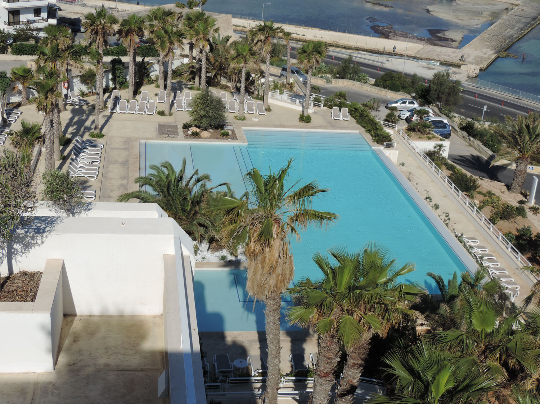 Salini Resort, piscina vista dall'alto