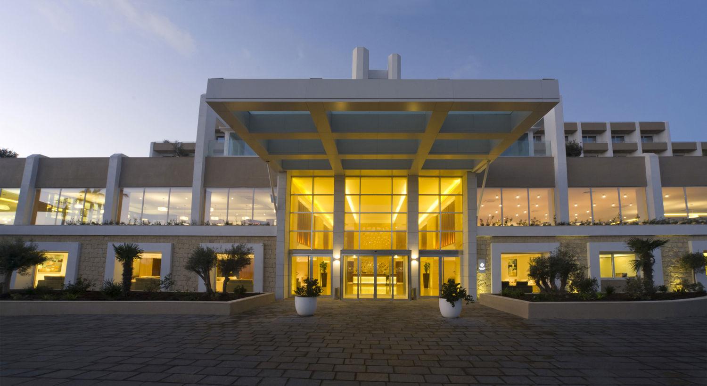 Salini Resort, hall illuminata