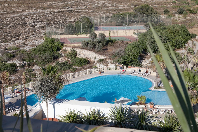 Salini Resort, piscina e campi da tennis