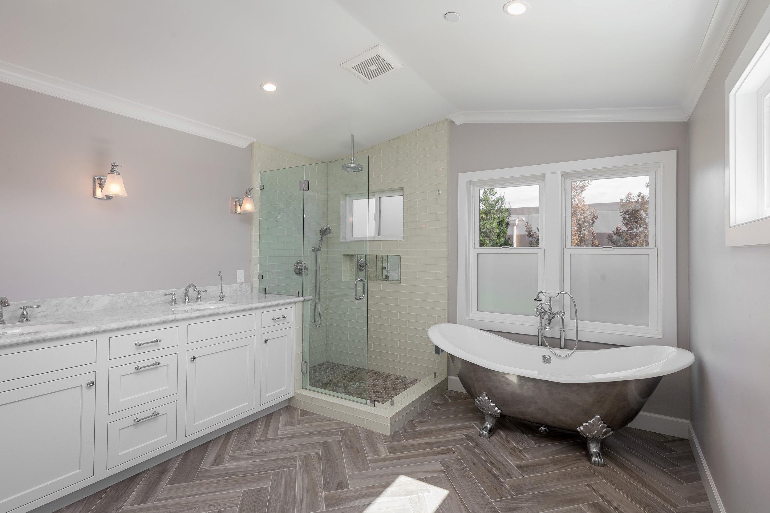 Master Bath (1).jpg