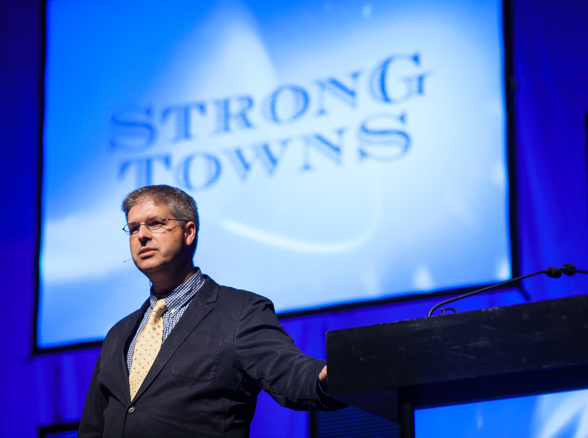Charles Marohn presenting for Strong Towns.
