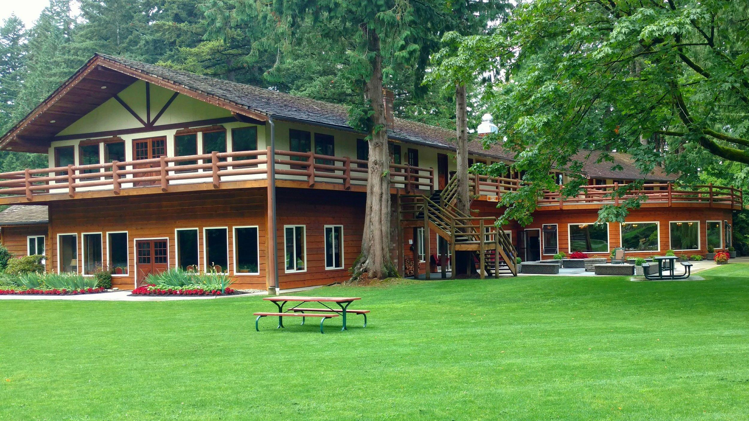 Chalet Lodge.jpg
