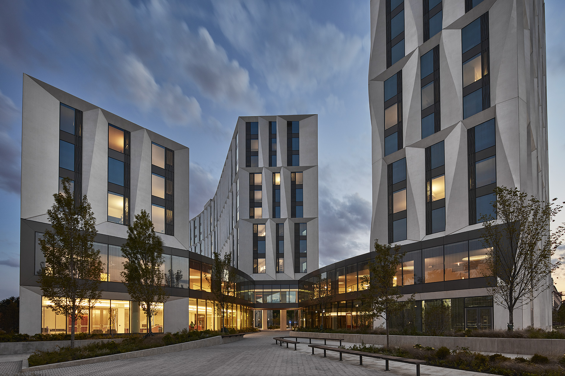 University of Chicago Campus North Residential Commons © Tom Harris, Courtesy Studio Gang