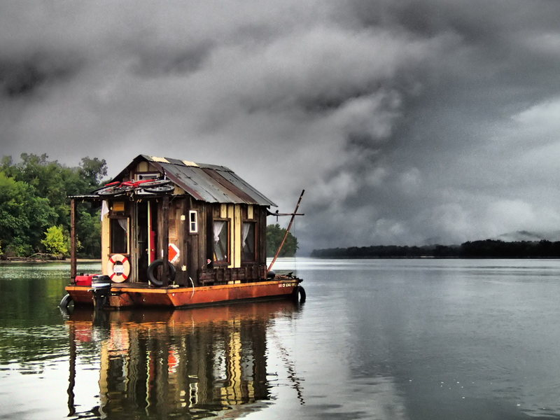 Made from recycled materials, Modes's shantyboat can weather the storms. WES MODES/ CC BY-NC-SA
