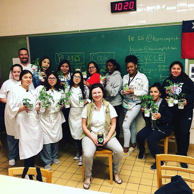 Last week Lauren taught a garden to table to garden class to the culinary school students at Skyline high school. They talked about growing, cooking, and recycling their food in an urban environment. Swipe to see more! . #turndallas #turncompost #turnpartners #urbangarden #gardentotable #compost #skylinehighschooldallas #futurechefs #envronmentalists
