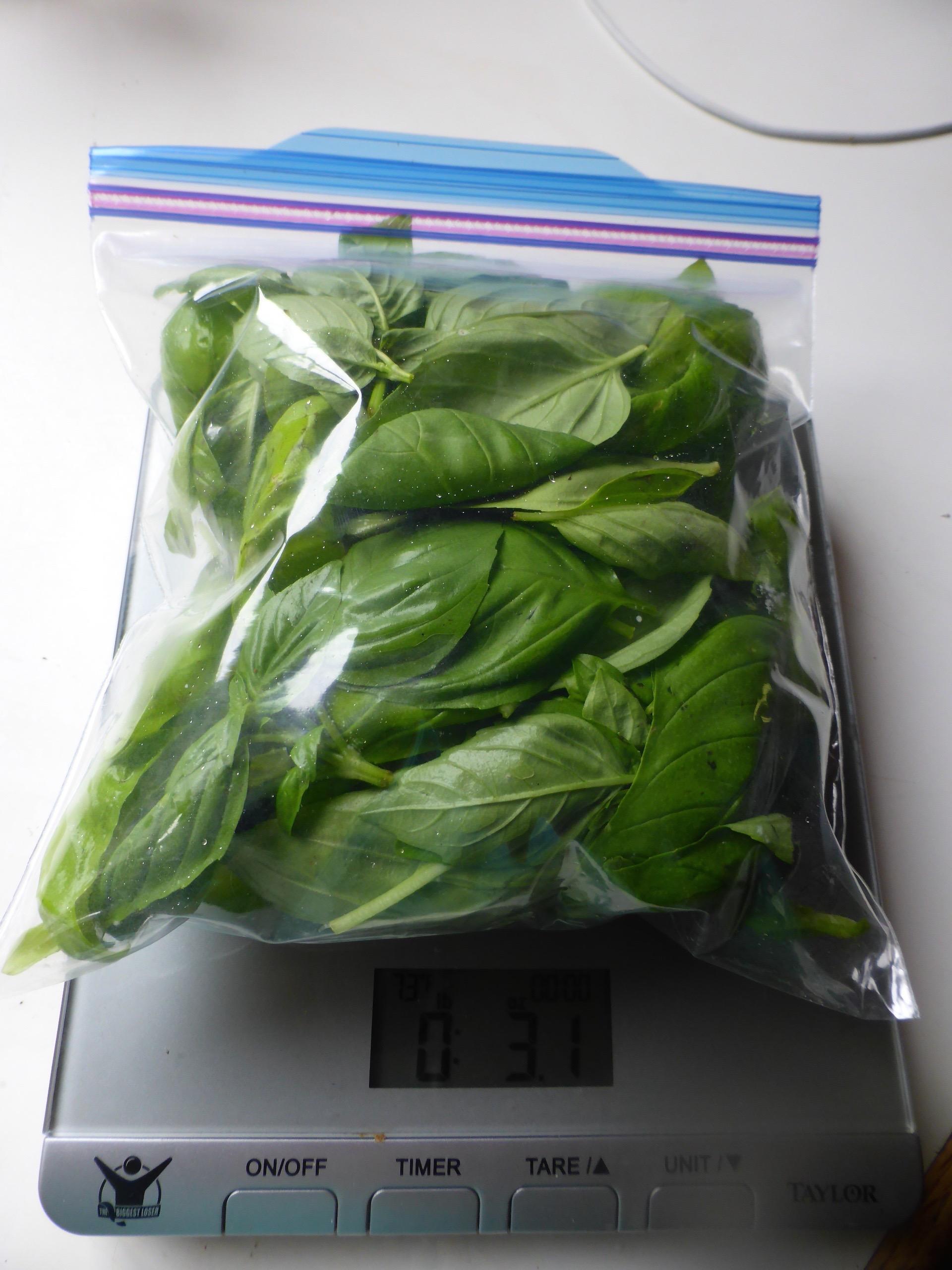packaged basil.jpg