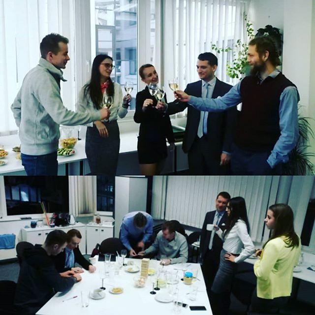 Ohlédnutí se za DOD pro nove uchazeče.  Moc rádi jsme uvítali společnost mladých lidi, kteří se zajímali nás také poznat.  Akci jsme si uzili a už ted vymyslíme, co připravit nového.  #dodpronoveuchazece #mistokdepracovat #kariera #podnikani #novemyslenky #brainstorming #veles #manazerskehry