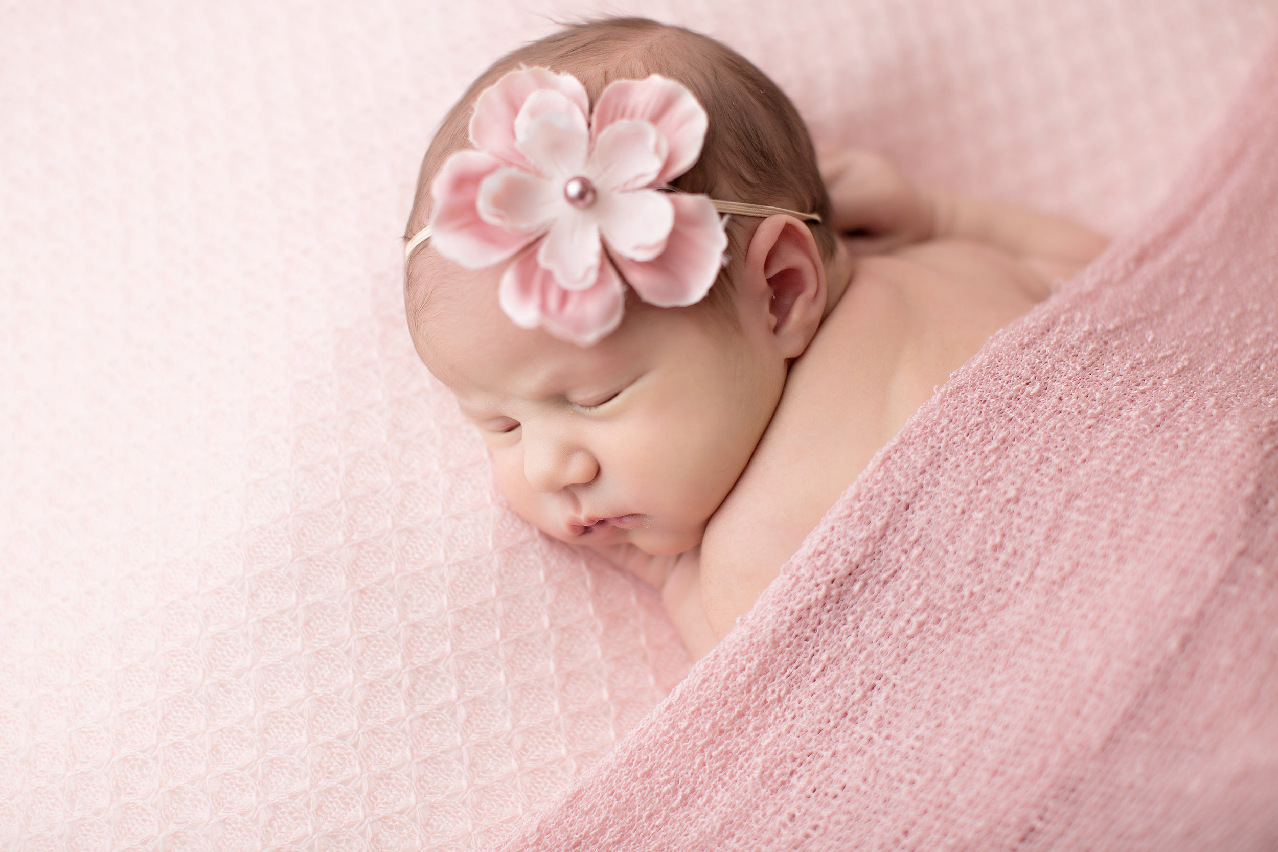 Lauren (Newborn-April 2018)-10 copy.jpg