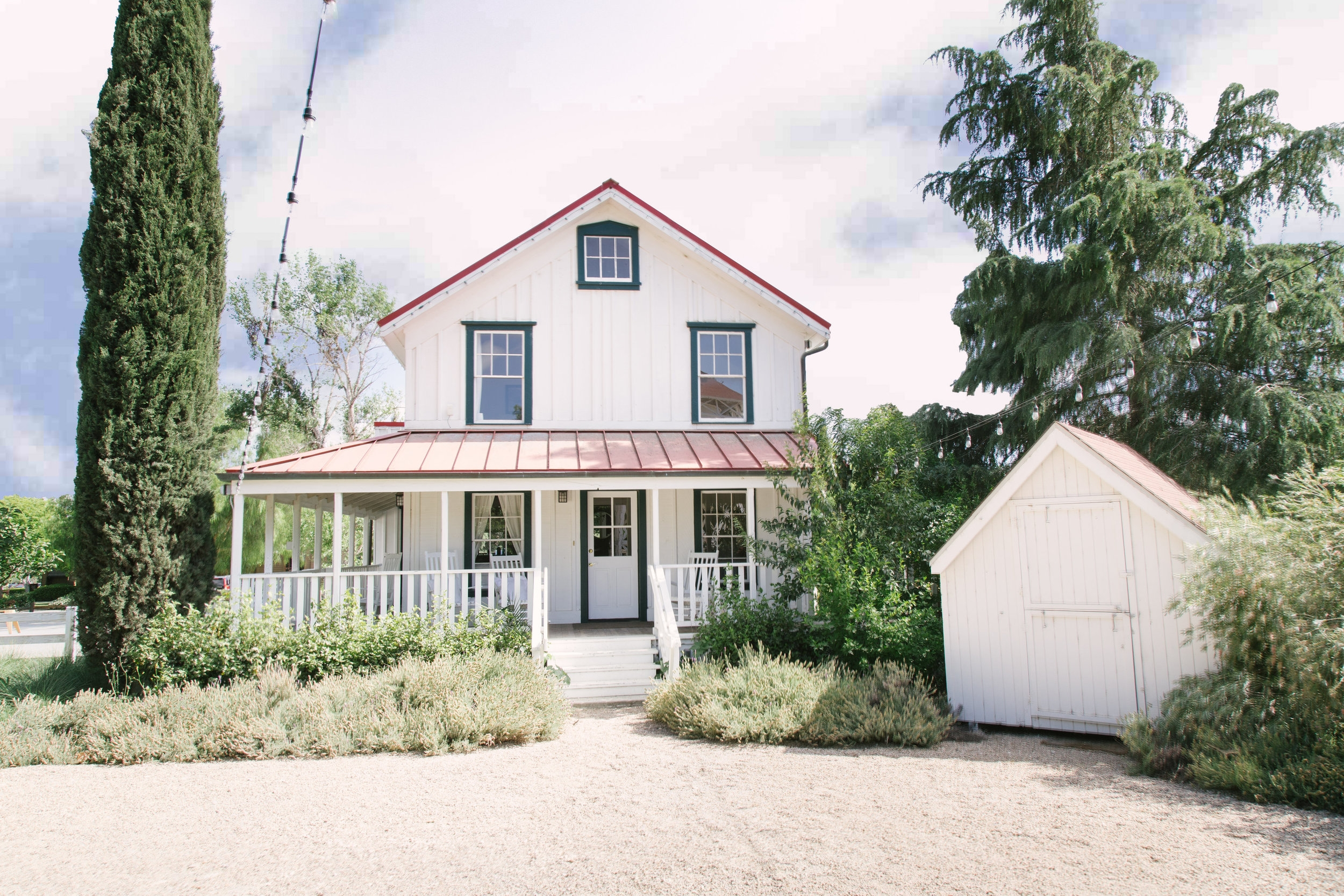 The Los Olivos Hartley House - 2 bedrooms, 1.5 bathrooms, accommodates 4