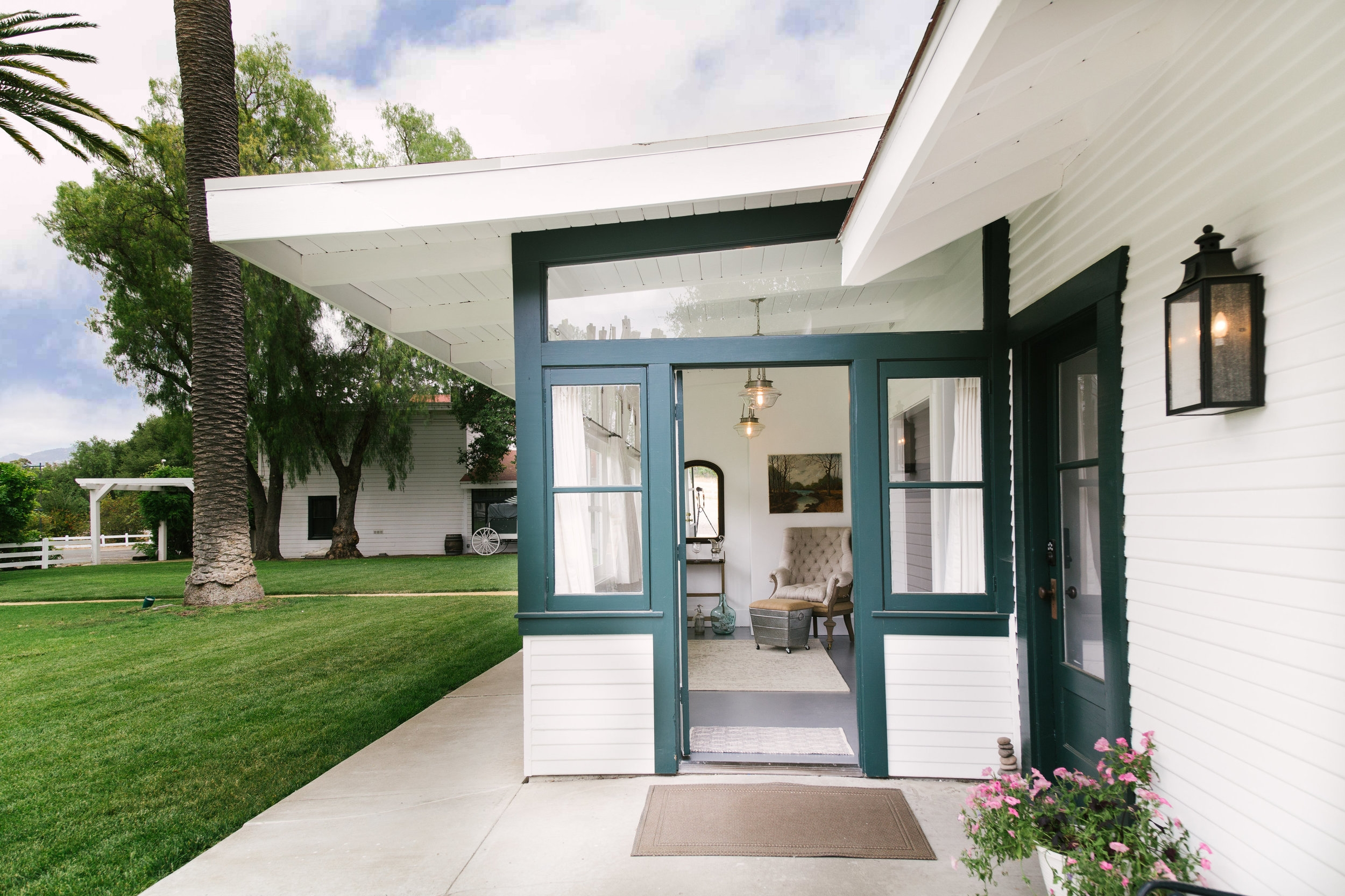 The West Cottages 1 & 2 - 6 bedrooms, 4 bathrooms, accommodates 12