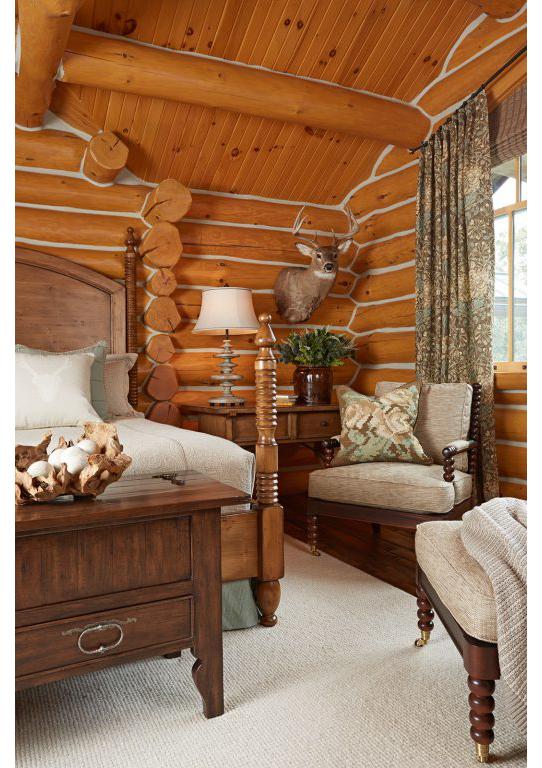 Lodge_mastersuite2_bedroom_lrg-512x768.jpg