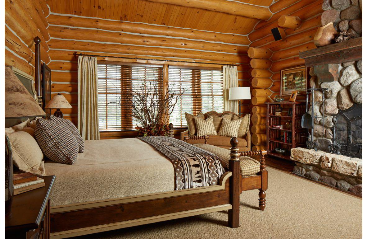 Lodge_masterbedroom_lrg-1152x768.jpg