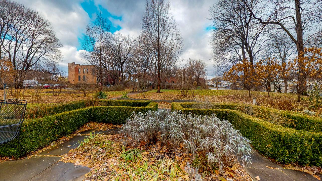 Ten-Broek-Mansion-12042018_123434.jpg