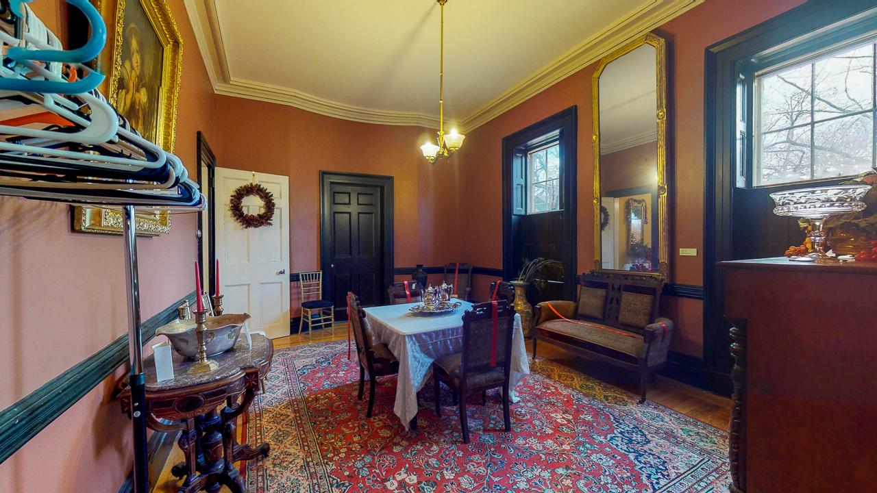 Ten-Broek-Mansion-12042018_113447.jpg