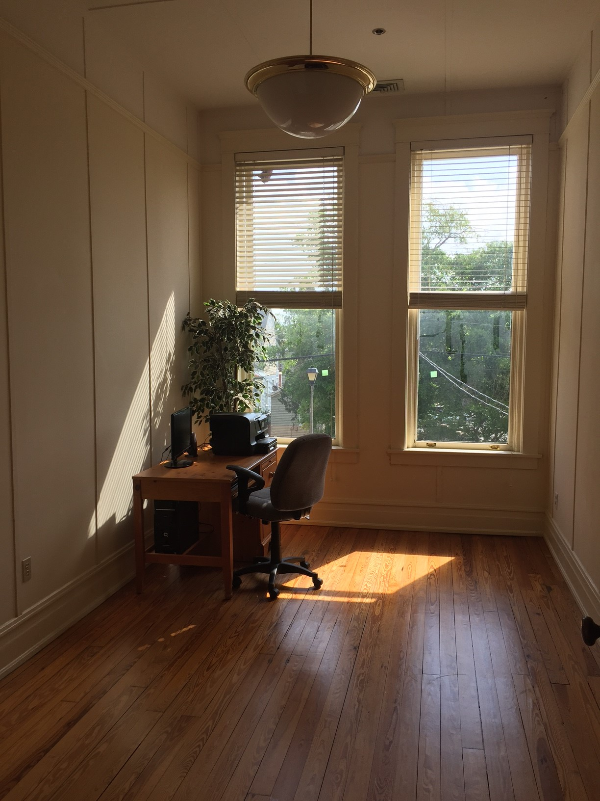 Office 219 - 2.jpg