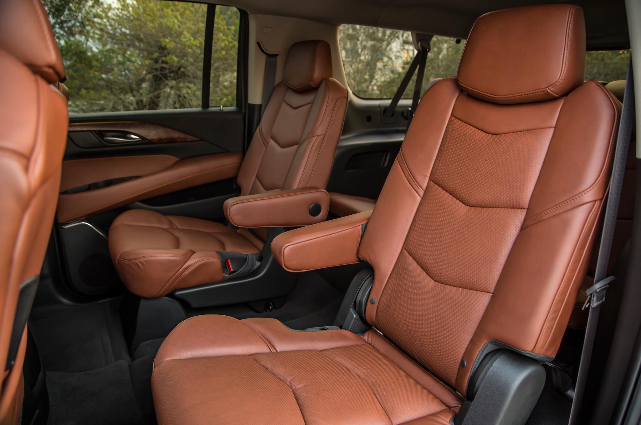 limobook-vancouver-luxury-transportation-service-cadillac-escalade-esv-04.jpg