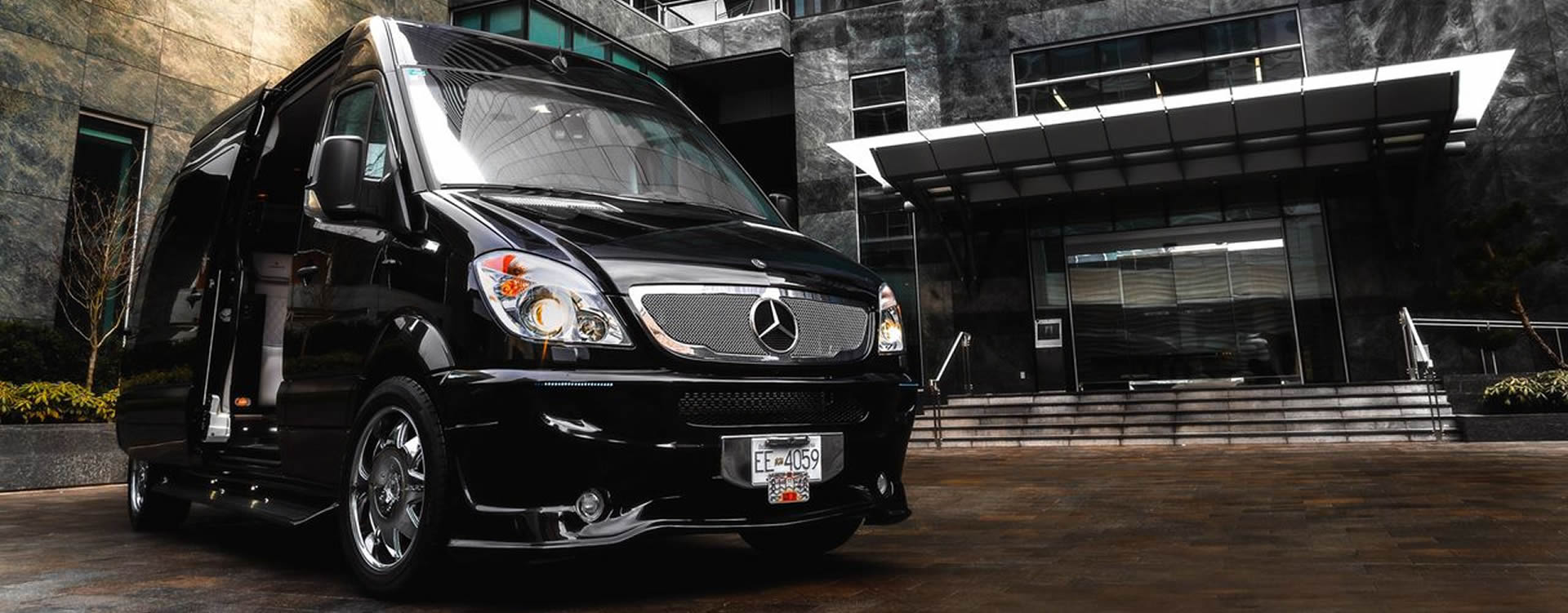 limobook-vancouver-luxury-transportation-service-mercedes-executive-van-07.jpg