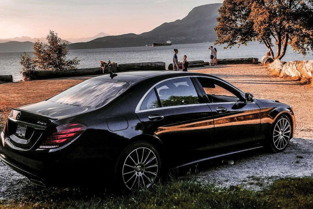 limobook-vancouver-limousine-mercedes-s550.jpg