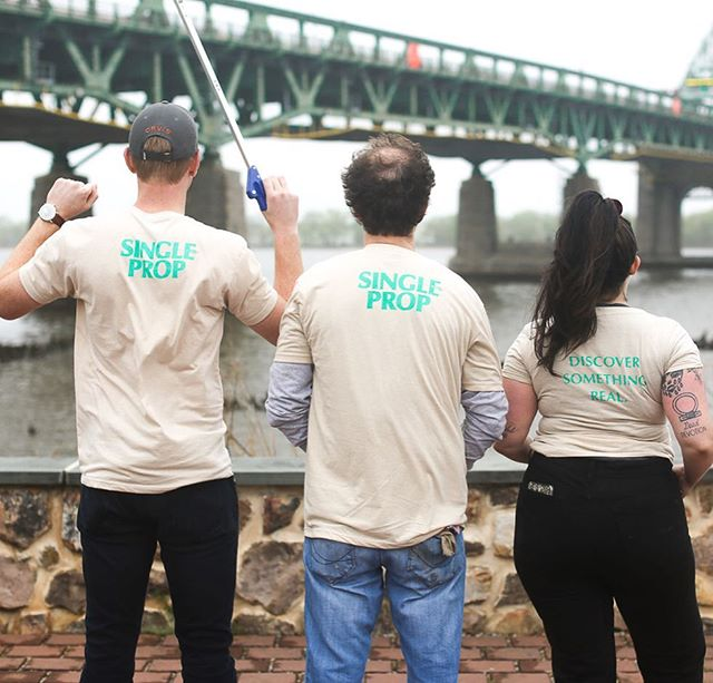 HUGE thank you @riverfrontnorth and all of the awesome volunteers who came out this past weekend to kick off #EarthDay! Doesn't it feel great to leave a place cleaner than you found it?  Share how you #JourneyResponsibly during #EarthWeek and tag @SinglePropRum! 🌍