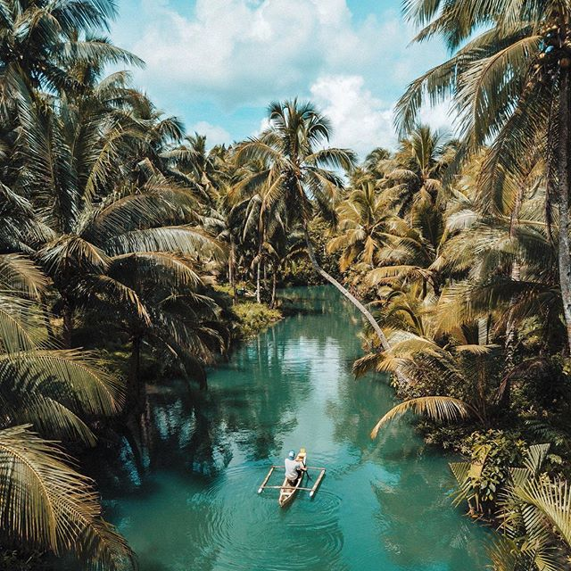 When setting off for an adventure to #DisoverSomethingReal, be sure to bring the smooth taste of Single Prop Rum along for the journey! Explorers, where are you off to next? 🌴 . 📷: @rolandsvarsbergs  #AdventureIsOutThere
