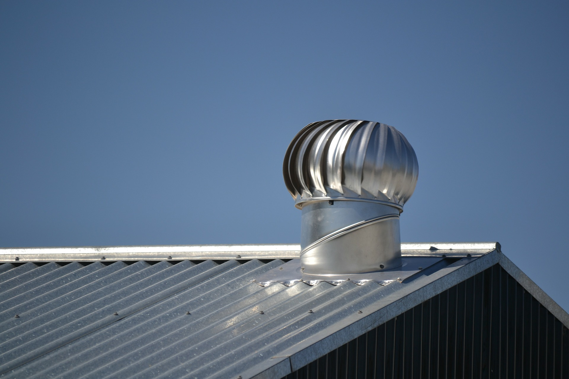 Why You Should Choose A Metal Roof Tomlin Roofing