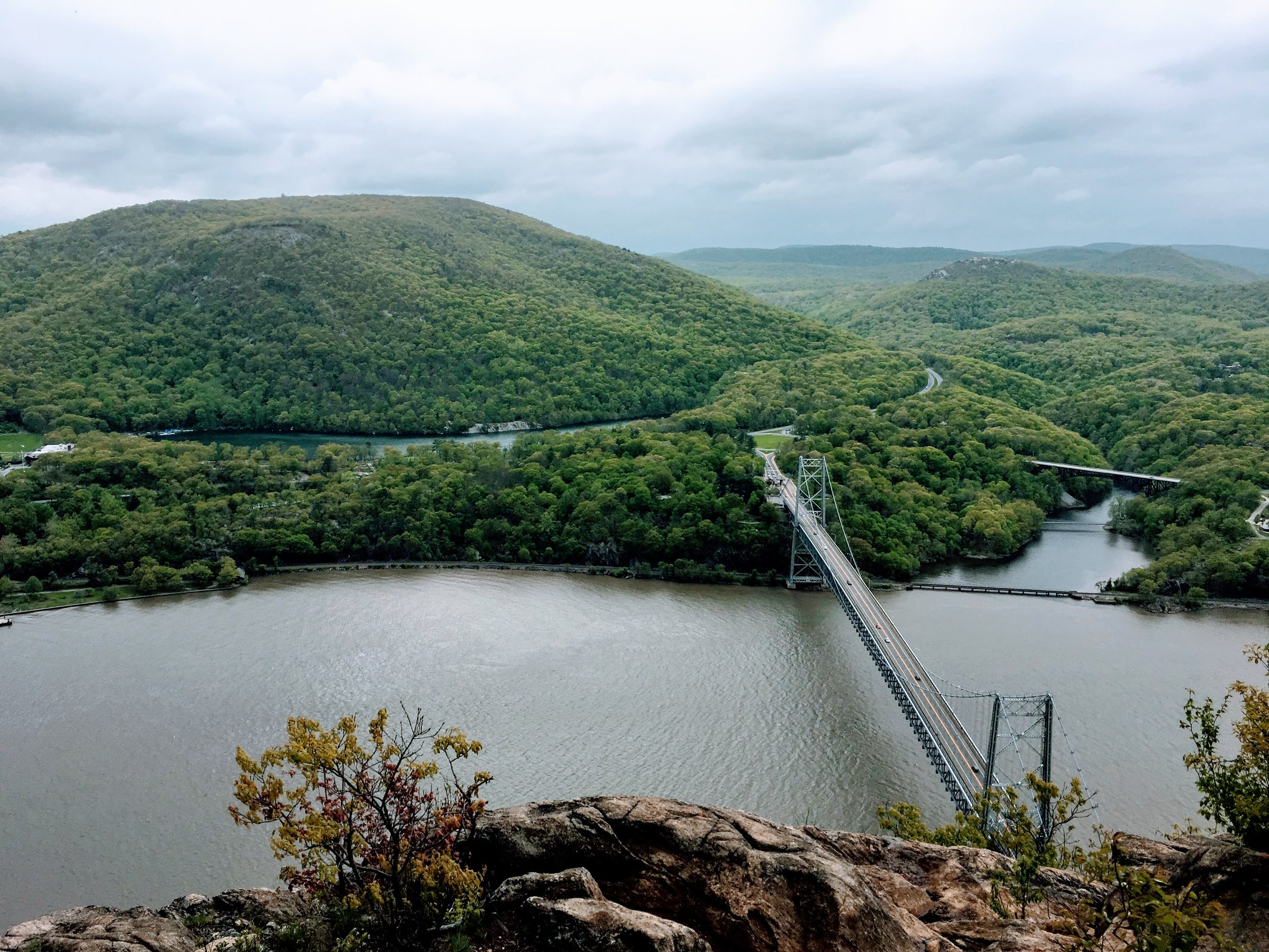 Anthony's Nose - Hudson Highlands - Summit overlooking the Bear Mountain bridge, via Camp Smith Trail - Spring 2017
