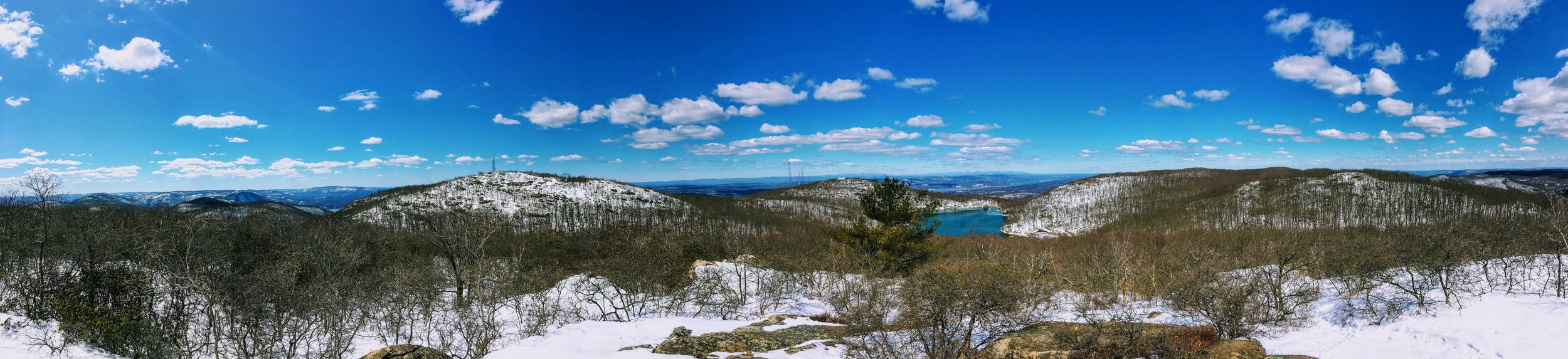 Panoramic photo from the top of one of the lookouts along the Wilkinson Trial. You can see the summit of Beacon in the distance, including the Fire Tower.