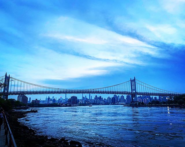 Weekend fading out... . . . #nyc #nyclife #skyline #astoria #astoriapark #rfkbridge #getoutdoors #iloveny #empirestate #northeast #runnyc #sunset #longislandcity #nycityworld #weekend #queens