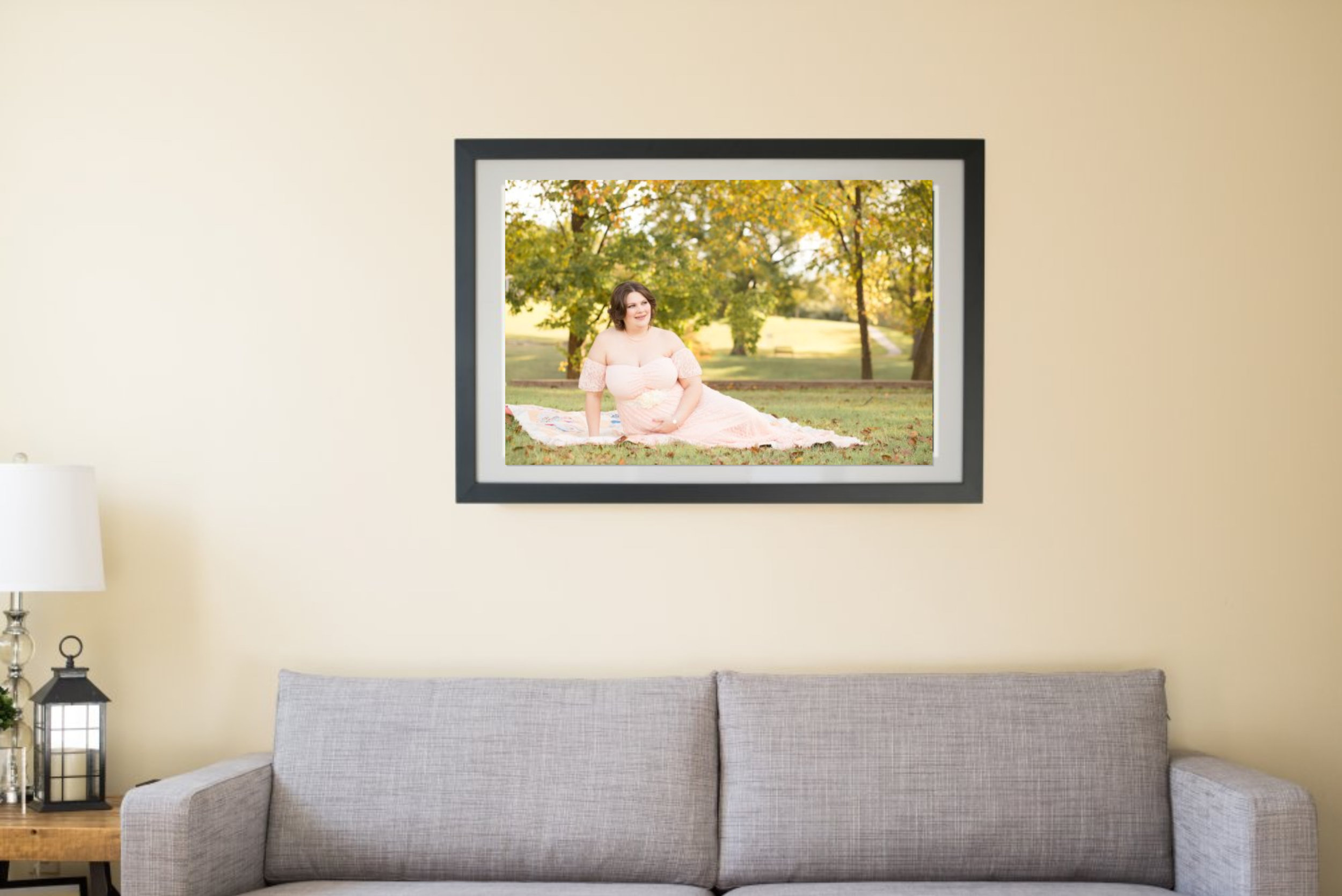 maternity photo on wall design