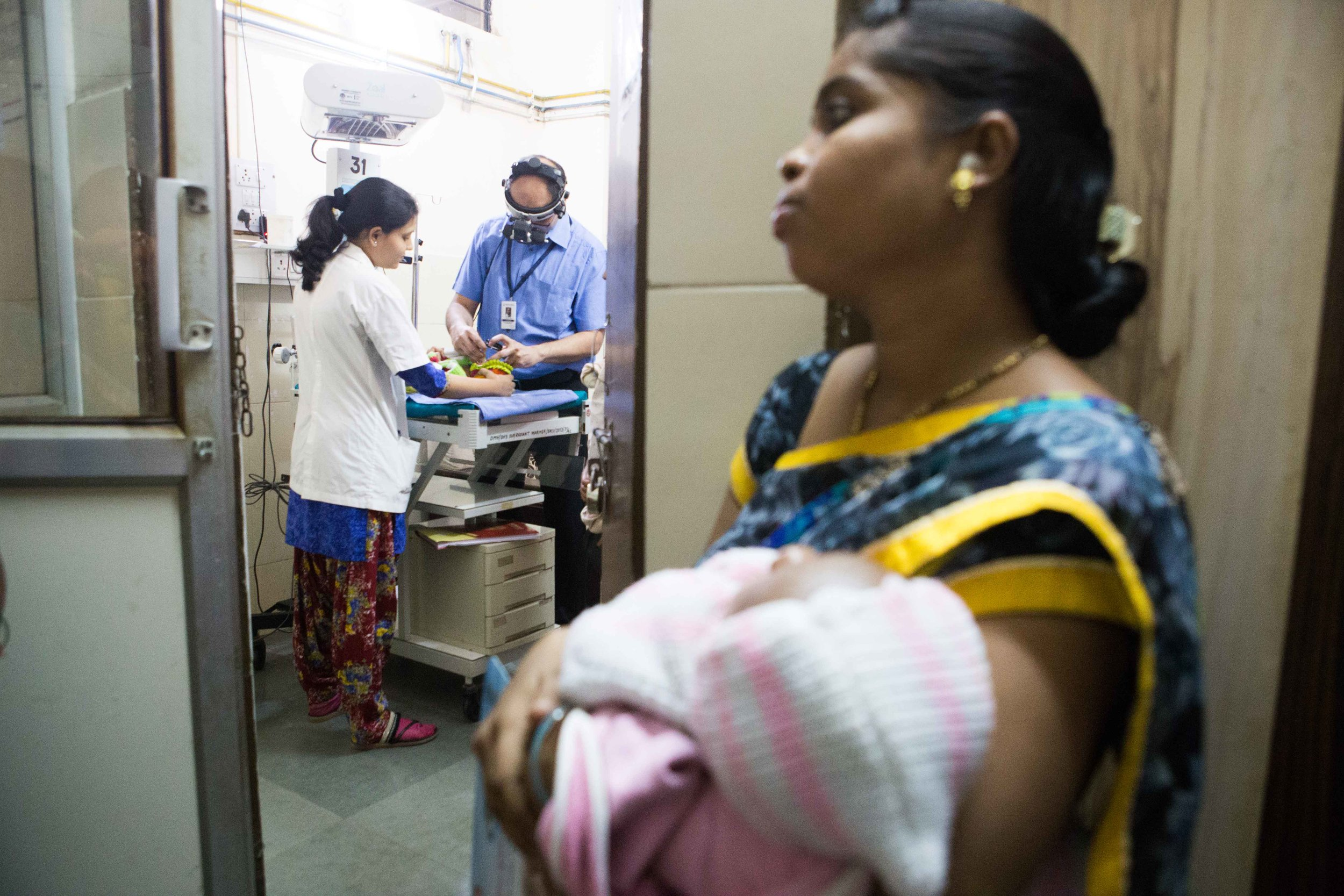 A mother waits for her babies turn for ROP screening. Daga Hospital, Nagpur, Maharashtra