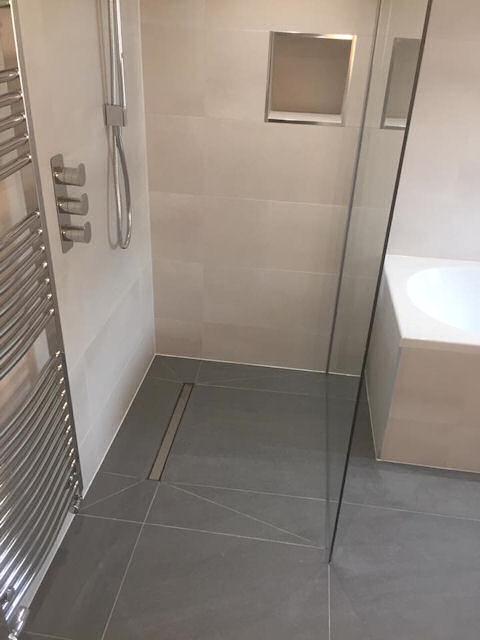 Modern wet room.jpg