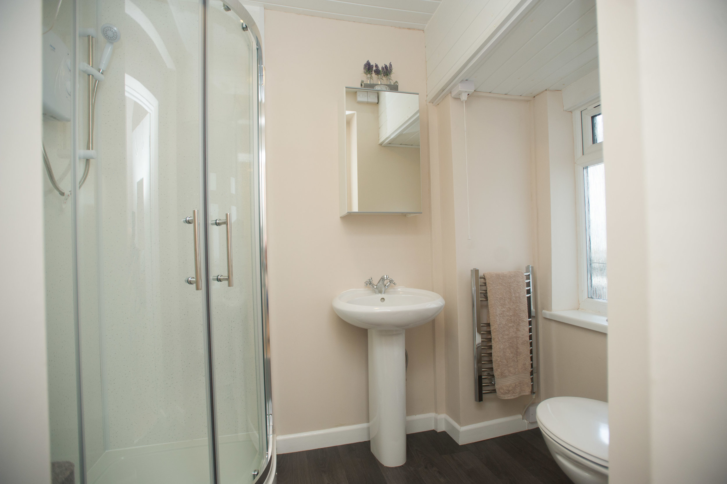 27CS - F1 - Bathroom 16.JPG