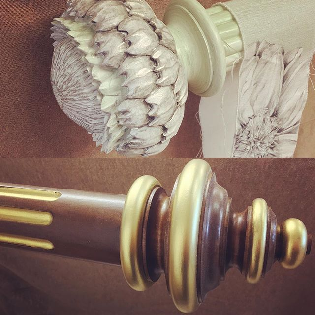 Another very happy client...a reeded and a fluted curtain pole 😊#bespoke  #curtainpoles #design #interiordesign #handpainted #cotswolds #finials #unique #mccormickweeks