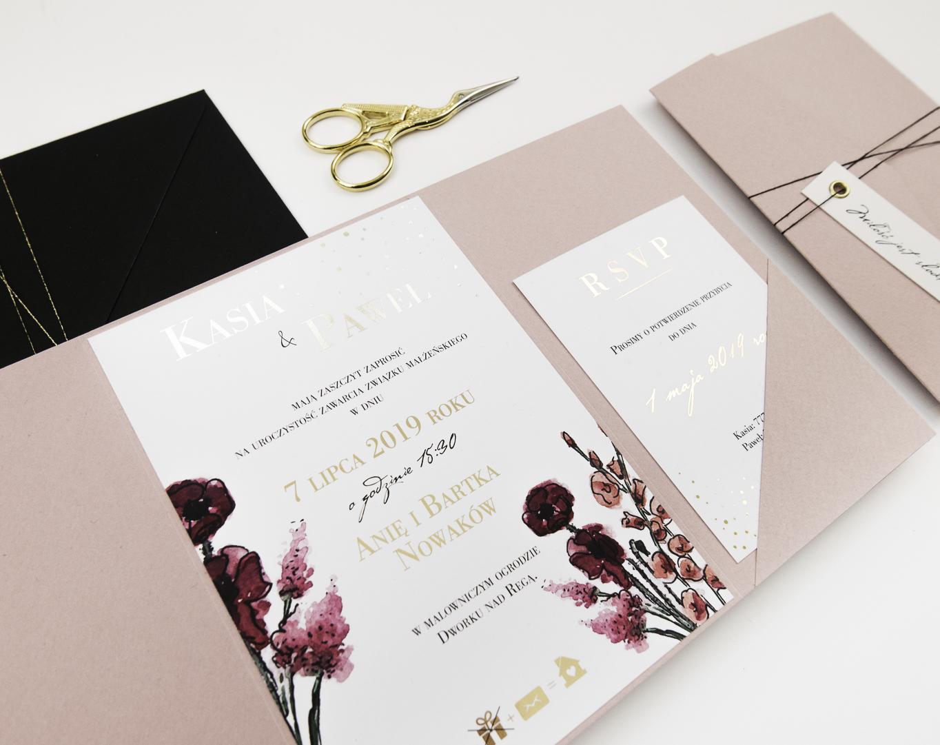 nowoczesne-zaproszenia-slubne_nietypowe_zlocone_eleganckie_rozowe_kwiaty_zlota-folia_w-folderze_co-nieco-papieru3.JPG