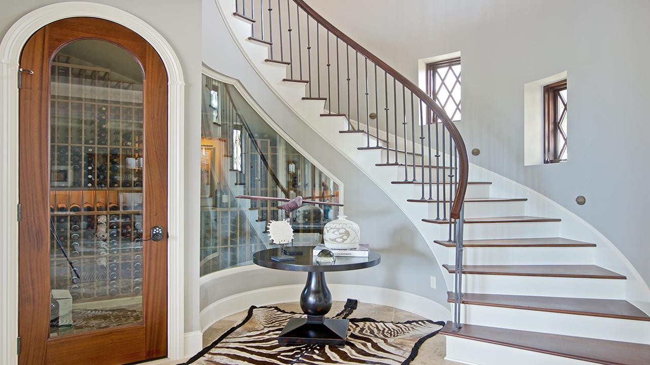 05 Stairwell.jpg