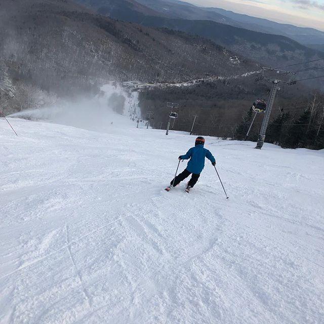New skis make Brian hungry. @firststopboardbarn #skivt #killingtonbeast