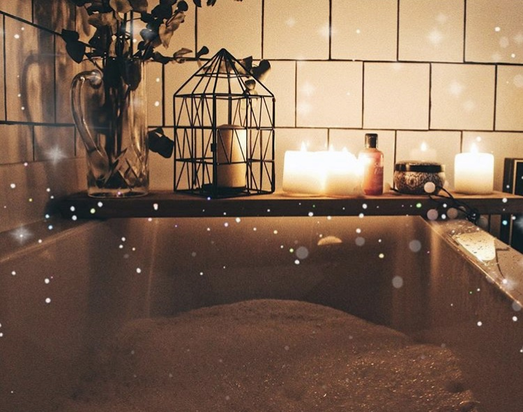 bath pocture with bokeh.jpg