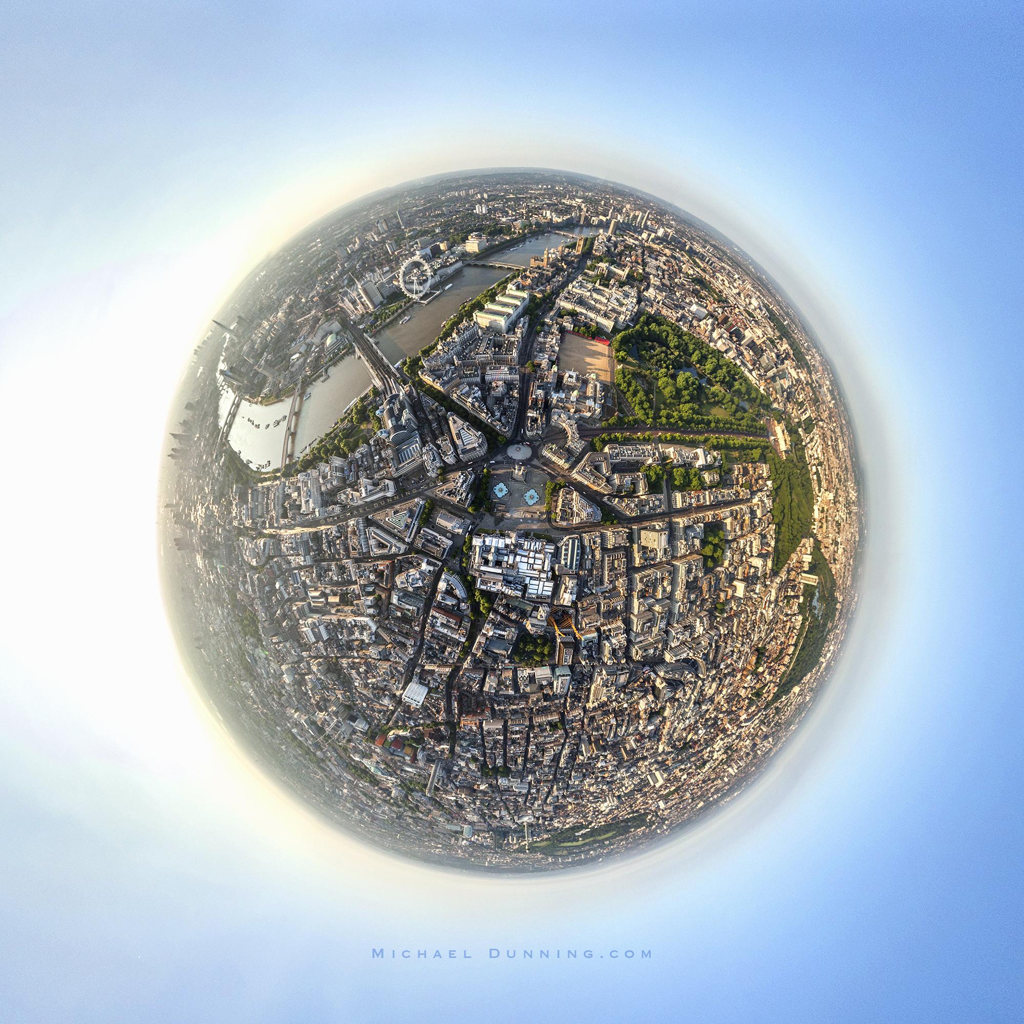 Trafalgar Sq. ©MD 2000px.jpg