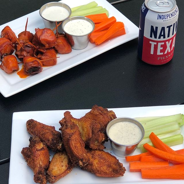Make sure to check out our Instagram story on Monday, October 14th, to participate in our Wing War! Who's going to win? Boneless White Wings, or Bone in Smoked Wings? Those who participate will be entered to win TWO TAILGATE tickets for next week's home game. Stay tuned!!