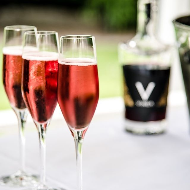 A #VineaRoyale makes a wonderful welcoming offering at your next party.  5 ounces Reif Estate Sparking Chardonnay, 1 ounce VINEA  Preparation: Pour sparkling wine into flute and top with VINEA liqueur