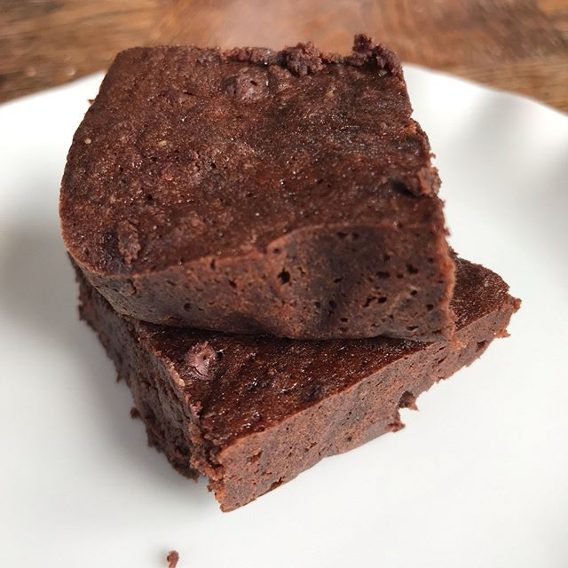 A terrific result if I do say so myself, baru and teff flour brownies. Gluten free, dairy free and so very chocolate.  #brownie #collab #baruflour #barunuts #teff #teffflour #glutenfree #dairyfree #coconutoil #brazil #ethiopia #superfoods #artisan #smallscale