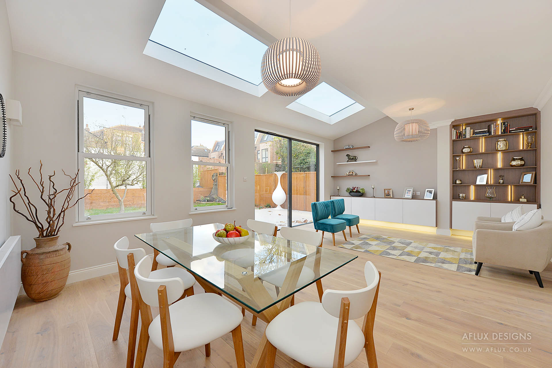 Ealing - LONDON W3A large family home bought by a developer and fully renovated into three spacious flats, including a loft conversion and rear extension.