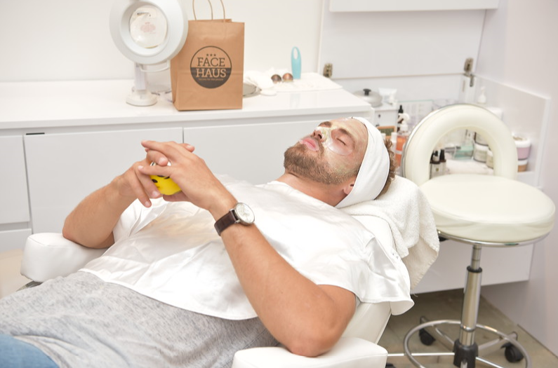 Former Bachelor, Nick Viall gets his first facial at Face Haus USC. Photo credit: Vivien Killilea