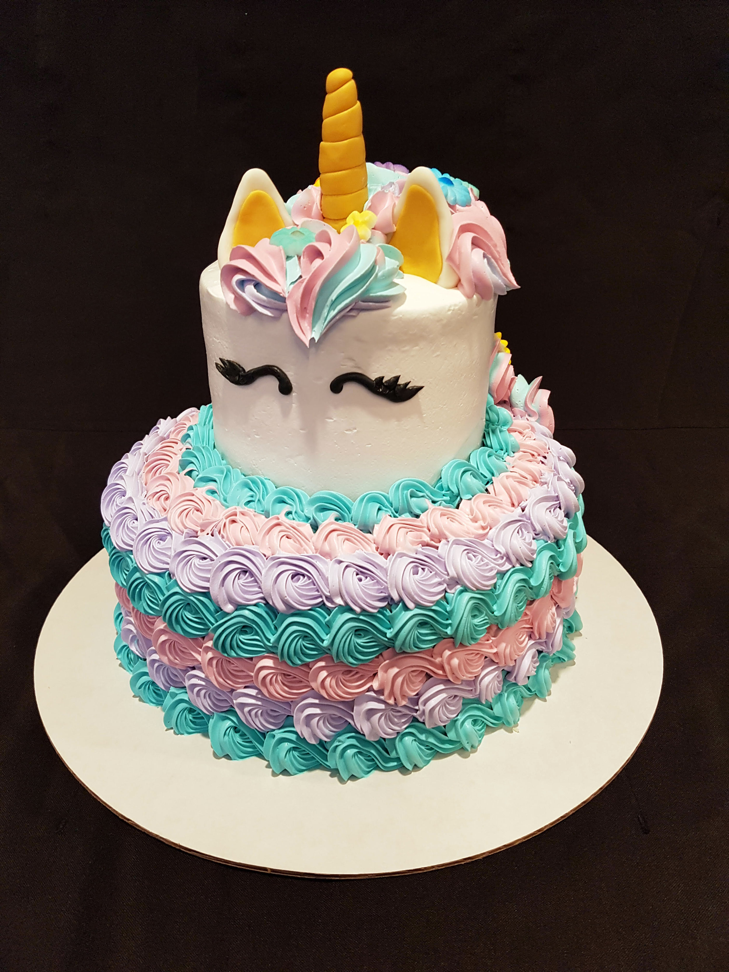 Askews_Cake_unicorn.jpg