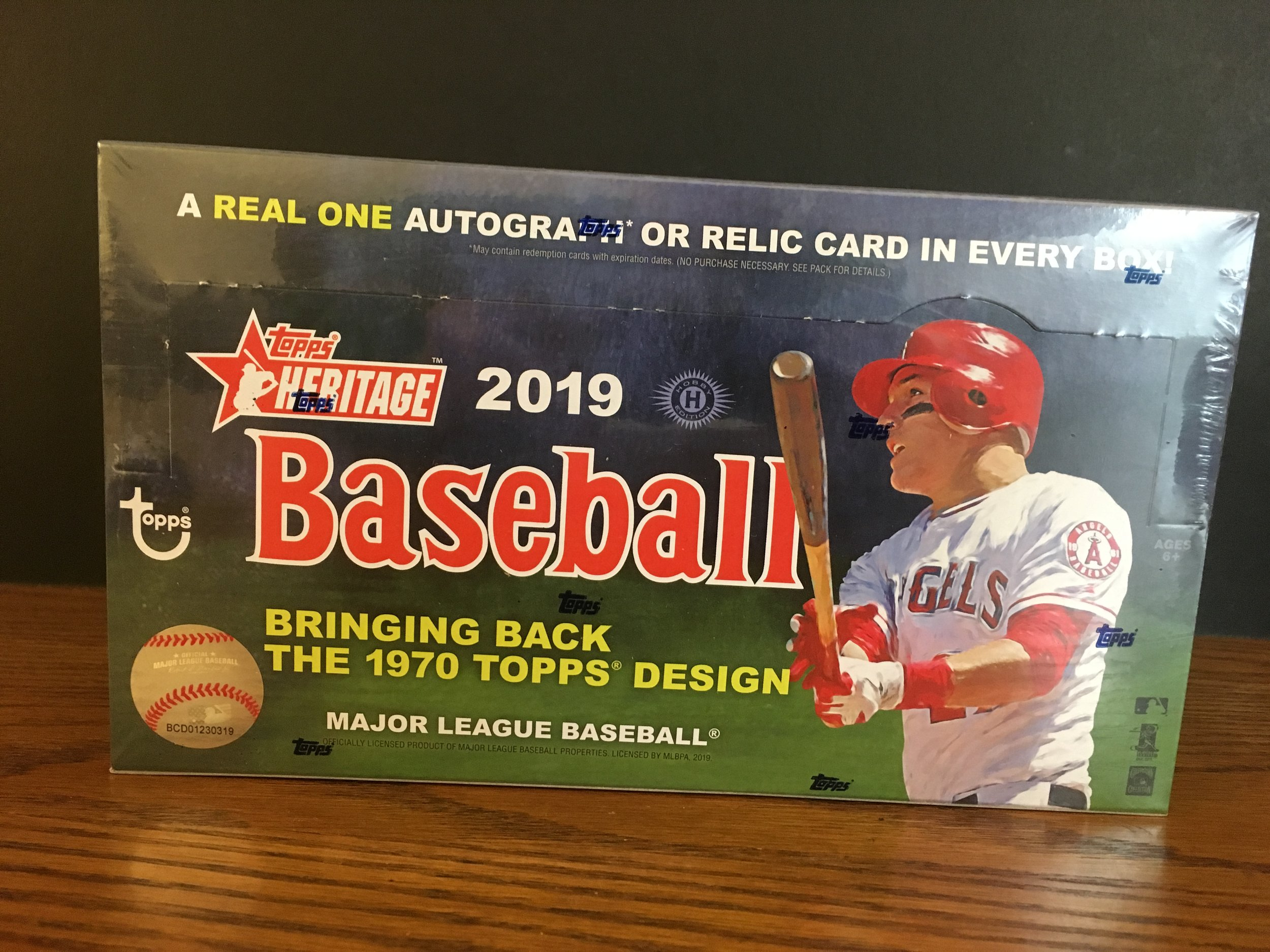 Here's my first box of 2019 Topps Heritage!