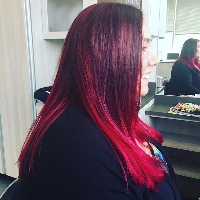 Love that Lindsey always lets me get creative with her hair!! #hairbypeyton #suitestylessalonep #solasalons #solasalonstwincities #edenprairie #edenprairiehairstylist #pinkhairdontcare #pinkhair #mplshair #mplshairstylist #edina #minnetonka