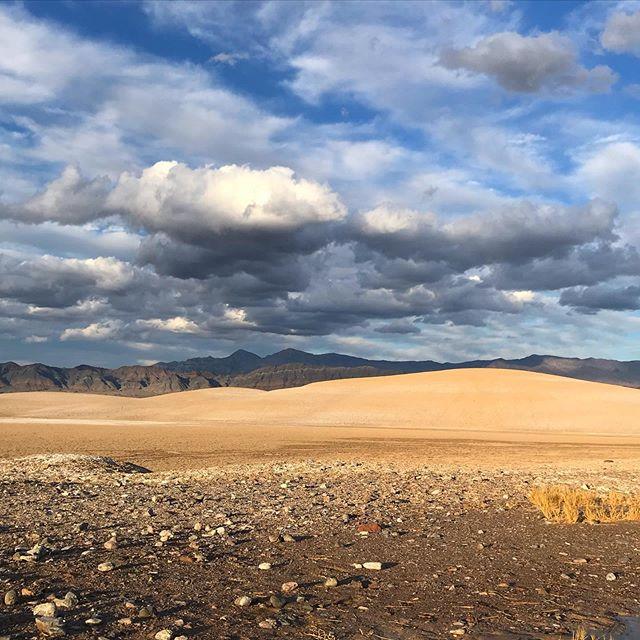 Want to live that Desert Rat Life? We can help. . #worklessadventuremore #deathvalley #trail #trailrunning #desertrattrailrunningclub