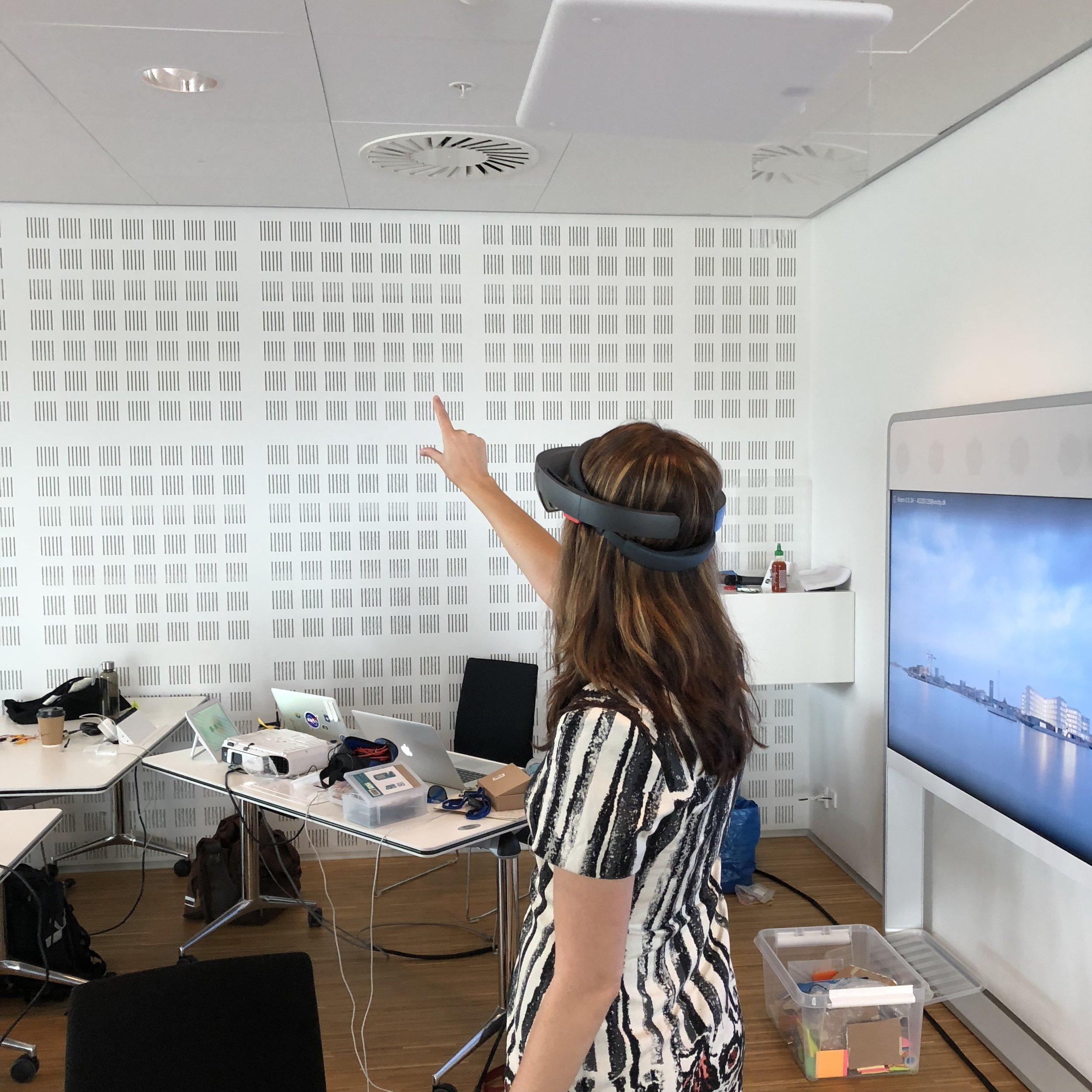 HoloLens Demos -